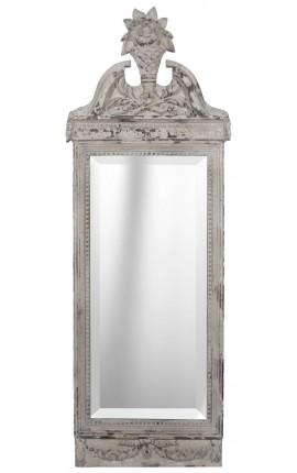 Les cadres les miroirs les tableaux sont des l ments for Miroir blanc vieilli
