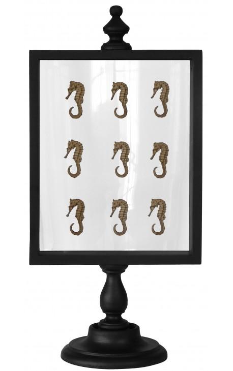 coffret avec hippocampes sur pi destal en bois. Black Bedroom Furniture Sets. Home Design Ideas