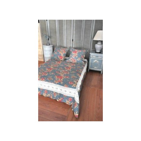 jet de lit en boutis bleu et roses 240 x 220. Black Bedroom Furniture Sets. Home Design Ideas