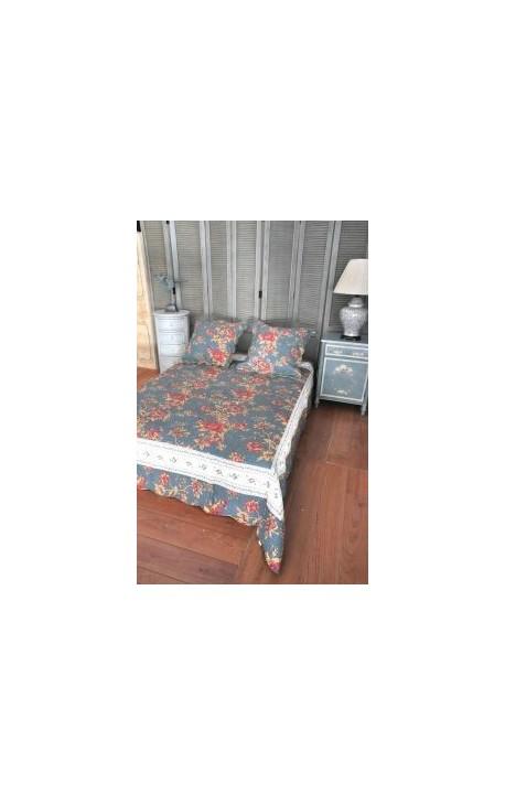 jet de lit en boutis bleu et roses 240 x 220. Black Bedroom Furniture Sets. Home Design Ideas