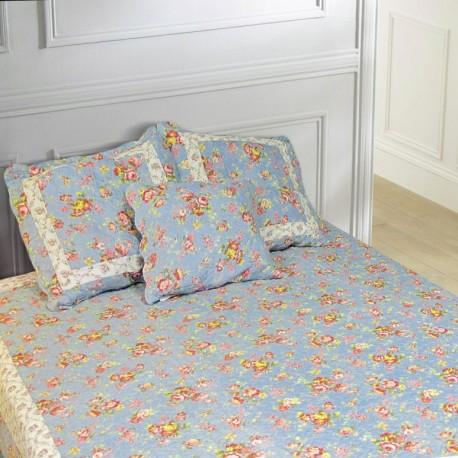jet de lit en boutis bleu et roses anglaises 240 x 220. Black Bedroom Furniture Sets. Home Design Ideas