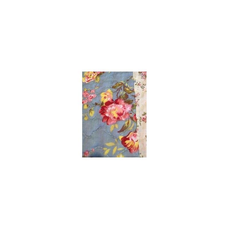 jet de lit en boutis bleu et roses anglaises 240 x 260. Black Bedroom Furniture Sets. Home Design Ideas