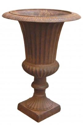 Vase Médicis côtelé en fonte de fer couleur rouille patiné