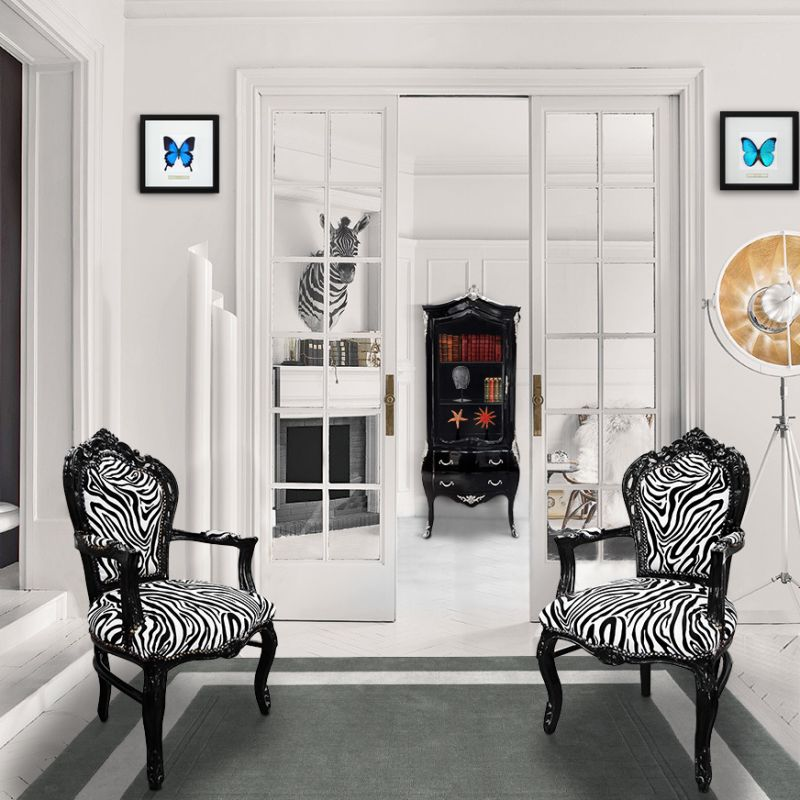 Fauteuil de style baroque rococo zebre et bois noir for Meuble zebre