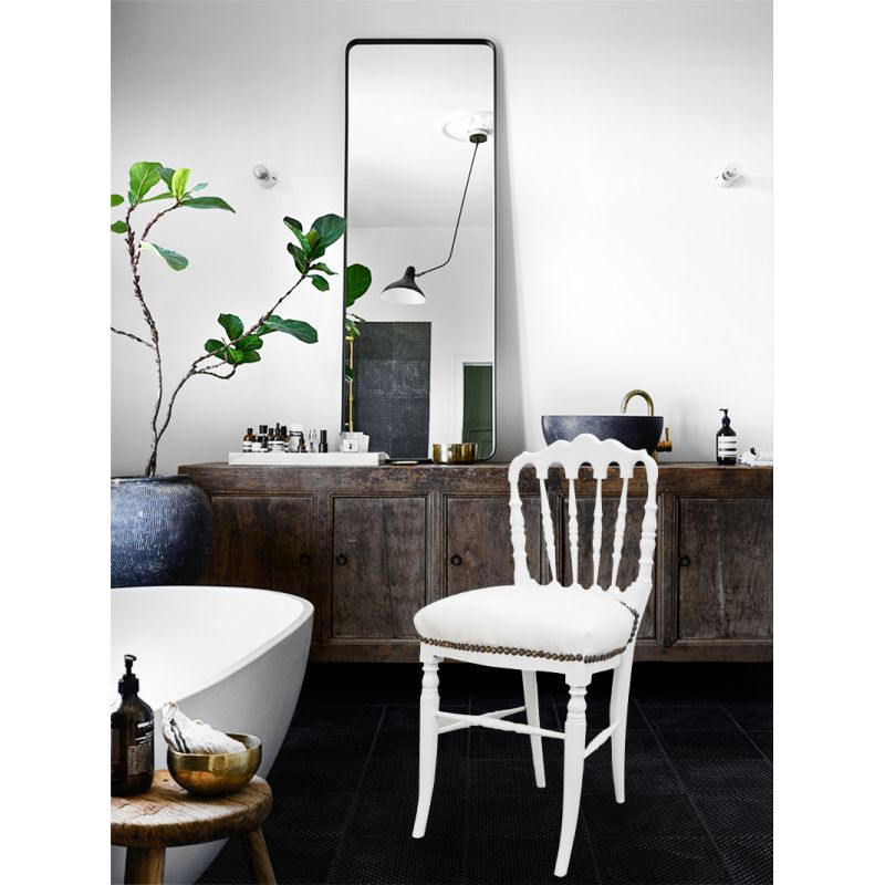 chaise de style napol on iii simili cuir blanc et bois blanc. Black Bedroom Furniture Sets. Home Design Ideas
