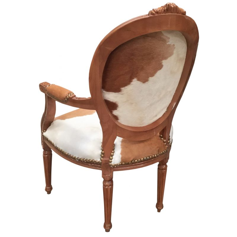 fauteuil baroque de style louis xvi vraie peau de vache marron et bois naturel. Black Bedroom Furniture Sets. Home Design Ideas