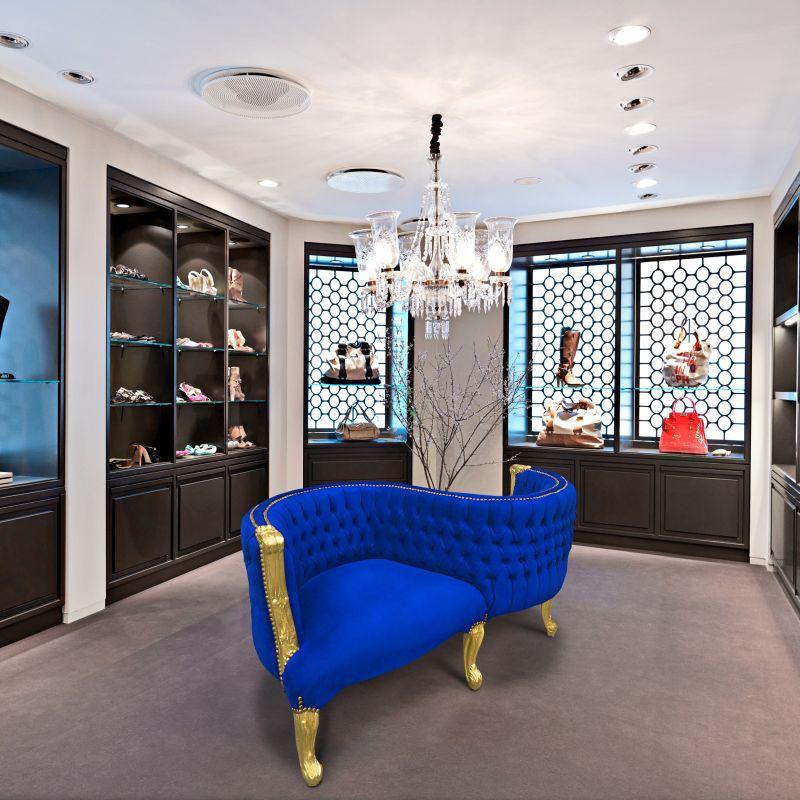 fauteuil confident baroque tissu velours bleu et bois dor. Black Bedroom Furniture Sets. Home Design Ideas