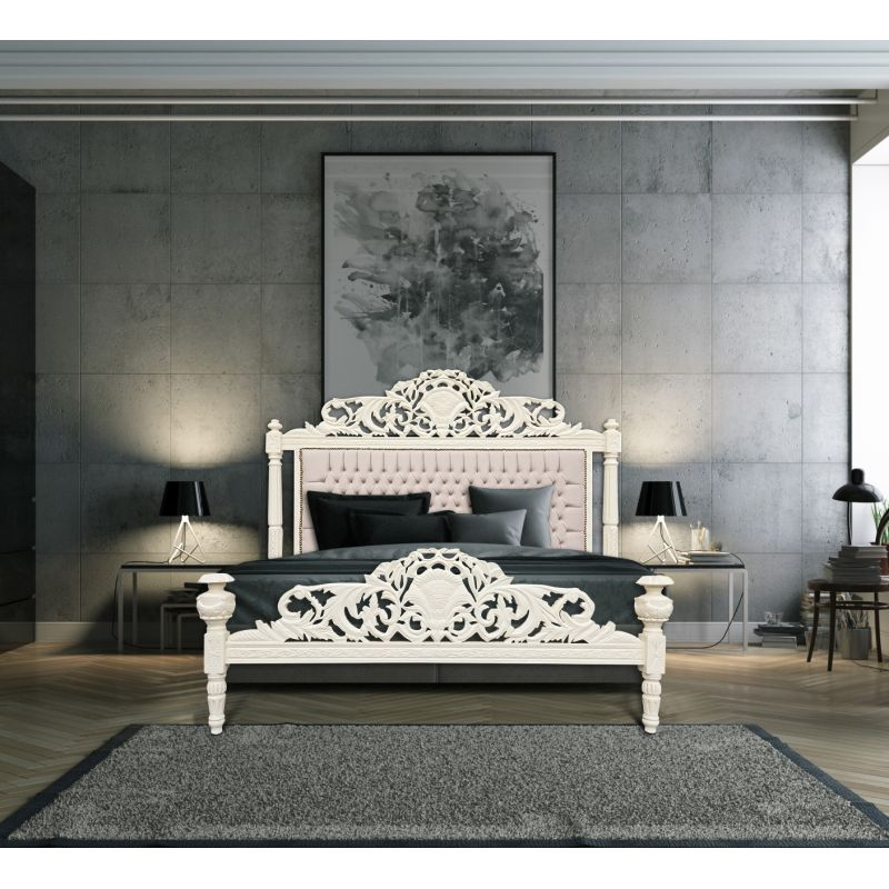lit baroque tissu velours beige et bois laqu beige. Black Bedroom Furniture Sets. Home Design Ideas