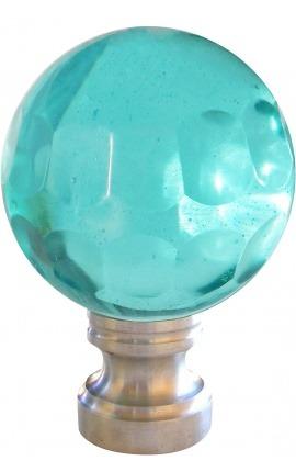 Boule d'escalier en verre bleu clair taillé à facettes