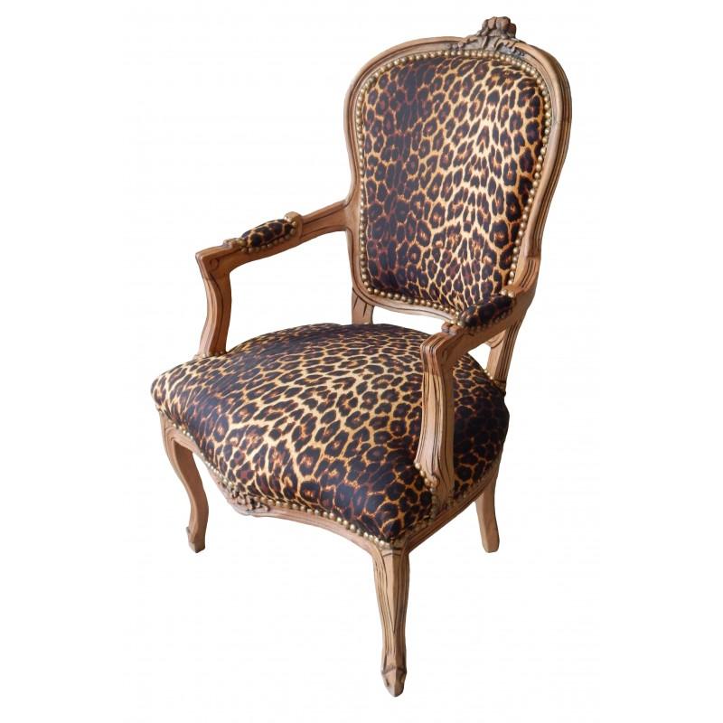 fauteuil de style louis xv tissu leopard et bois naturel. Black Bedroom Furniture Sets. Home Design Ideas