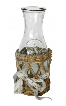 Carafe à vin avec support en osier et noeud en dentelle