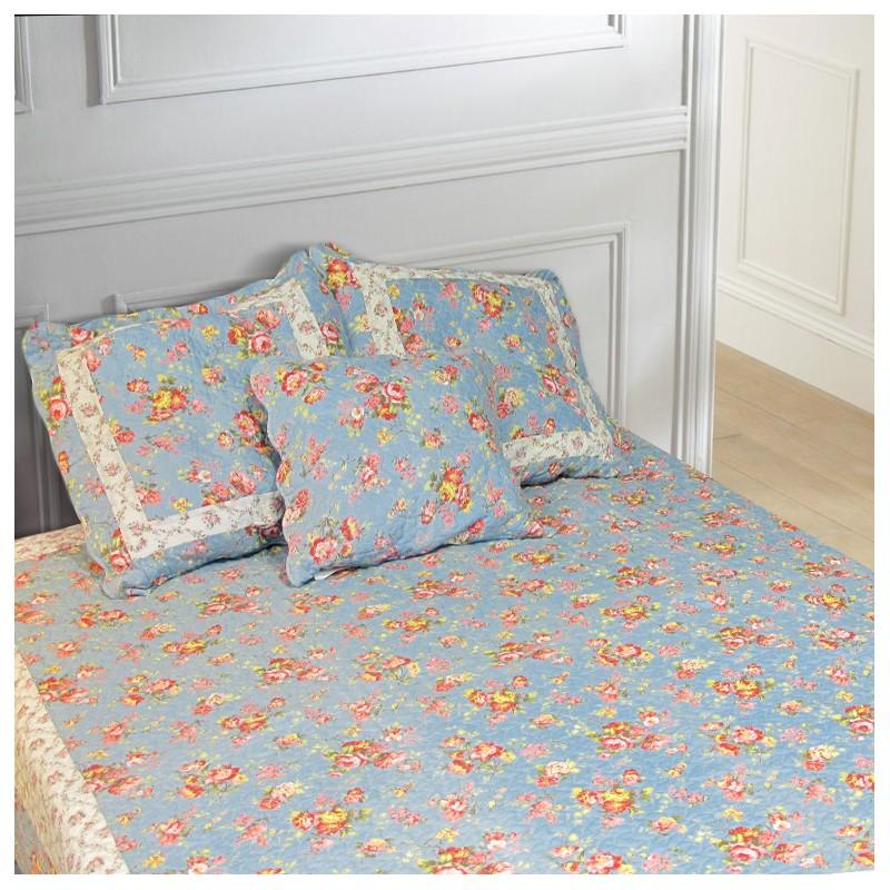 Jet de lit en boutis bleu et roses anglaises 240 x 260 - Jete de lit bleu ...